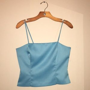 Tops - Cropped blue top.